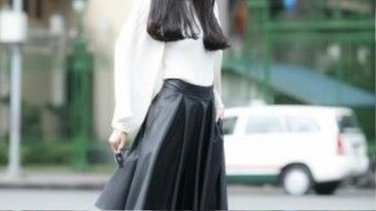 Một trong những outfit đẹp của Quế Vân.