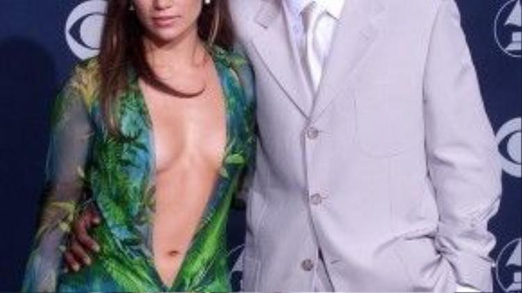 Năm 2001, cặp đôi làng nhạc Jennifer Lopez - Sean Combs kết thúc 2 năm mặn nồng. Đáng chú ý hơn là người đại diện của Sean công bố thông tin này đúng vào ngày Lễ tình nhân 14/2.