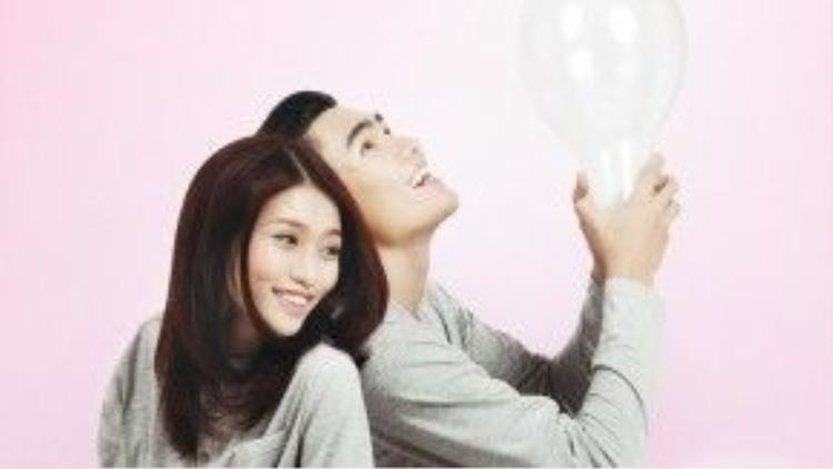 Từ khi chính thức công khai chuyện tình cảm đến nay, cặp đôi nhận được sự chúc mừng và quan tâm của nhiều người. Nhiều fan hâm mộ còn háo hức trông chờ một cái kết đẹp cho Quang Hùng - Quỳnh Châu vào một ngày không xa.