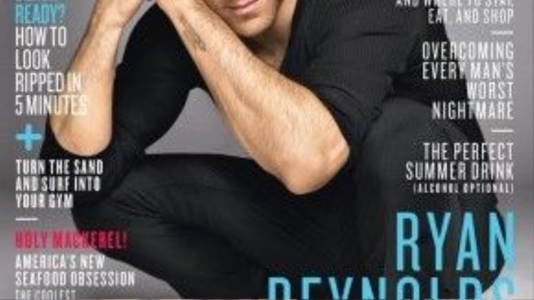Trong set đồ xanh đen làm nổi mặt màu da bánh mật cùng gương mặt điển trai của chàng Deadpool.