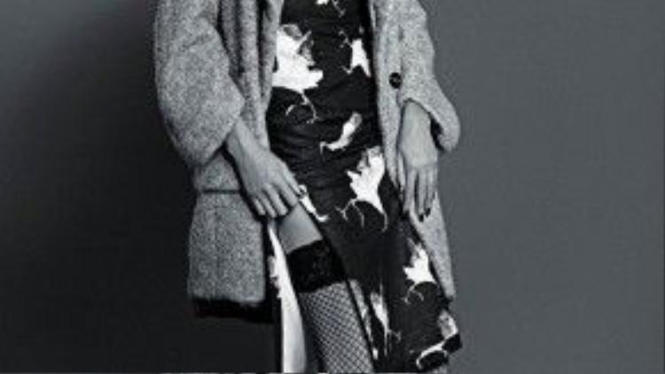 Trong bộ hình cô mới tung, Nguyễn Hợp hoàn toàn lột xác với phong cách thời trang táo bạo và có chút kỳ dị.