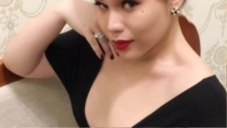 Nàng Franky từng được đào tạo một cách bài bản về chuyên ngành thiết kế thời trang tại học viện quốc tế của Singapore