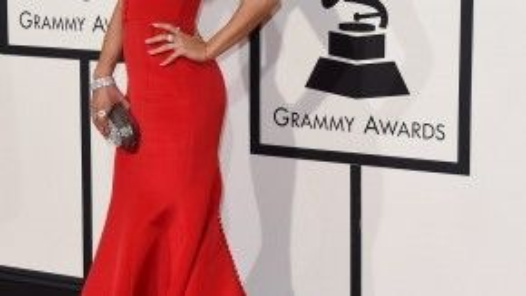 Ariana Grande ngày càng hợp với phong cách sexy.