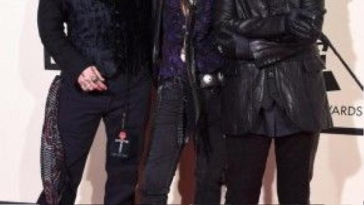 Johnny Depp đậm phong cách Rock với nhóm nhạc Hollywood Vampires.