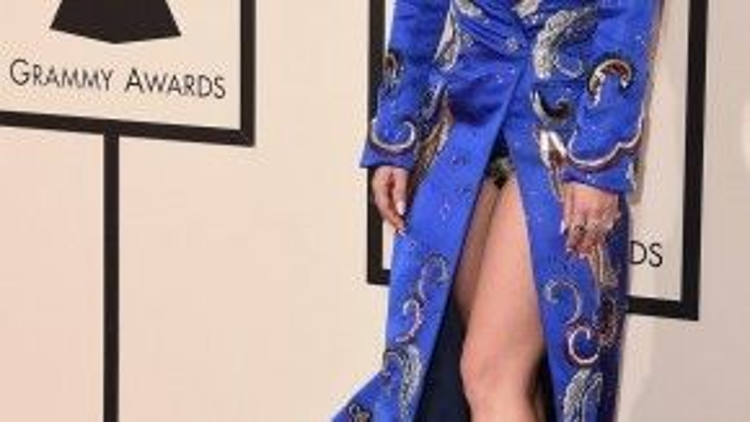 Lady Gaga với phong cách quái dị nhưng rất ấn tượng.