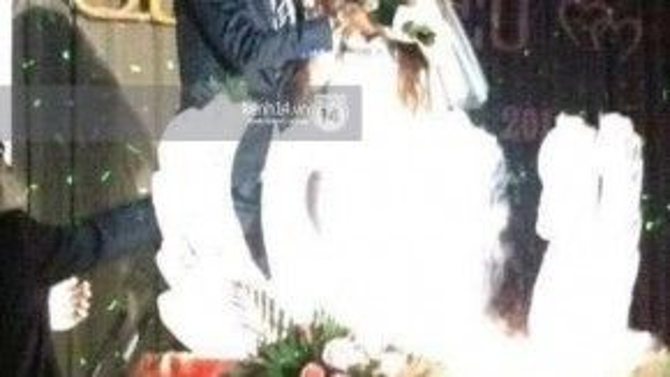 Hot girl Ivy khẳng định người trong ảnh cưới với Hồ Quang Hiếu chính là mình.