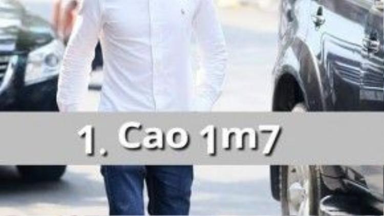 Isaac cao 1m72 và nặng 61 kg với thân hình rắn chắc, nam tính.