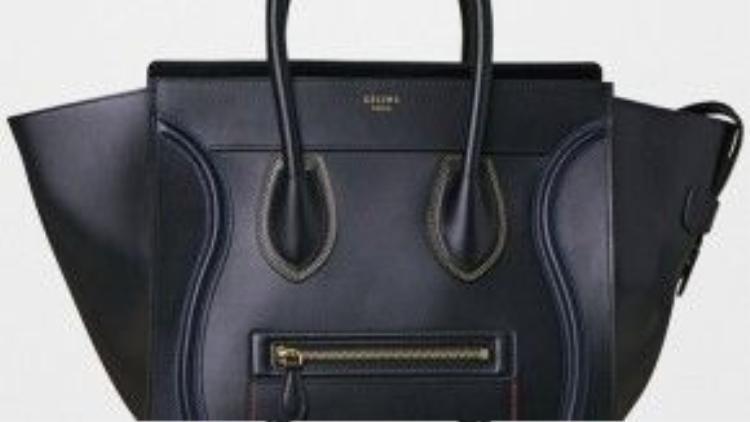 Céline Luggage luôn là mẫu túi xách hot nhất của hãng. Phiên bản da bê bóng màu đen luôn được các tín đồ thời trang săn tìm.