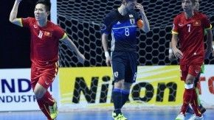 Chiến thắng của đội tuyển Việt Nam trước Nhật Bản làm nức lòng người hâm mộ.