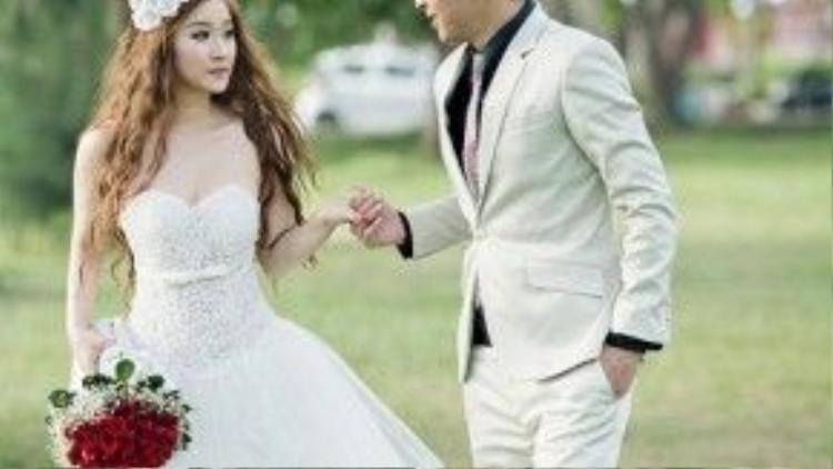 Tuy nhiên, hiện tại cả hai đã đường ai nấy đi. Theo một nguồn tin của Ngoisao, cặp đôi chia tay năm 2014.