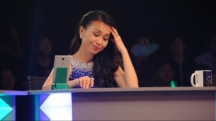 Ca sĩ Cẩm Ly sẽ tiếp tục đảm nhận vai trò ngồi ghế nóng chương trình.