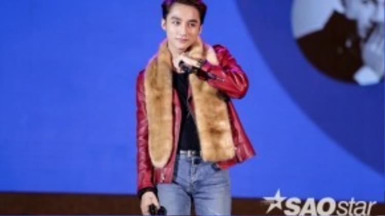 Sơn Tùng đã có hành động 'rất khéo' với fan Mỹ Tâm.