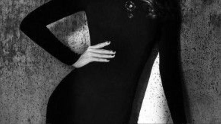 Sớm có những tư tưởng hiện đại và dám thay đổi, Minh Tú không ngại đề cao nữ quyền và thẳng thắn trong quan điểm của mình. Nữ quyền với chân dài 9x là luôn hết mình với công việc, người đẹp luôn nghiêm túc xây dựng sự nghiệp, tự đặt ra những mục tiêu phấn đấu qua từng năm và không ngừng làm mới bản thân với những phong cách thời trang đa dạng.