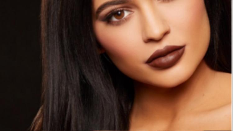 Mới đây, người đẹp còn cho ra thương hiệu son riêng của mình mang tên Kylie Lip Kit.