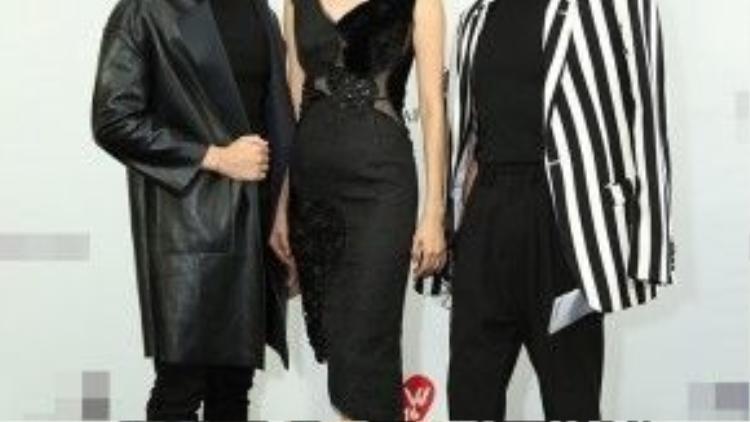 Đức Tùng cùng siêu mẫu Xuân Lan và Stylist Lê Minh Ngọc tham dự một sự kiện thời trang.