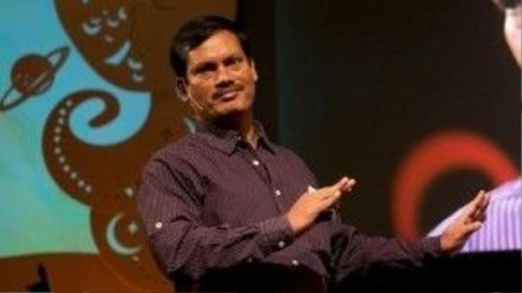 """Không ai ngờ được rằng gần 20 năm sau, từ một """"kẻ biến thái"""", Arunachalam Muruganantham đã được vinh danh là """"siêu nhân kinh nguyệt của Ấn Độ""""."""