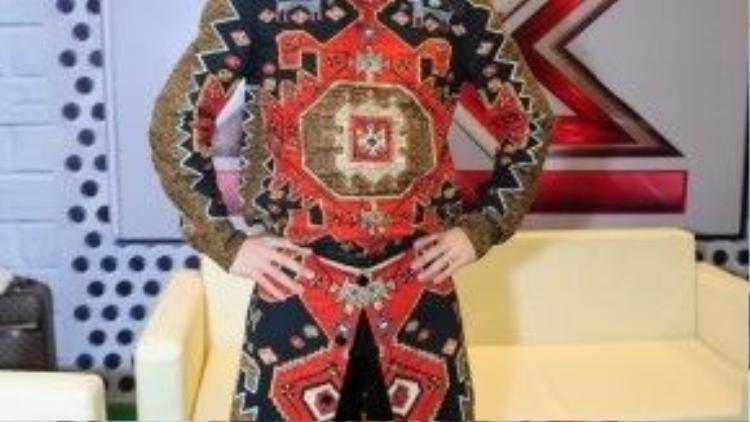 """Ở một sân chơi với phong cách mới hoàn toàn so với hình ảnh Tùng Dương trước đây, anh cho biết: """"Nhiều khi chính các vị giám khảo cùng là nhân tố bí ấn cần được khám phá""""."""