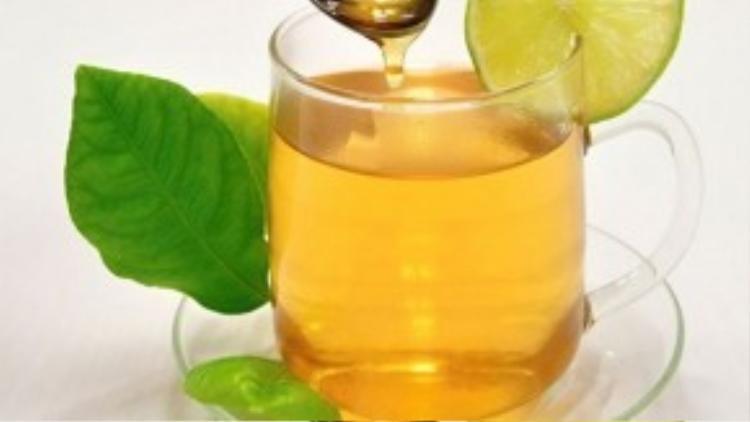 Chanh mật ong là thức uống giảm cân hiệu quả cho mỗi bạn gái.