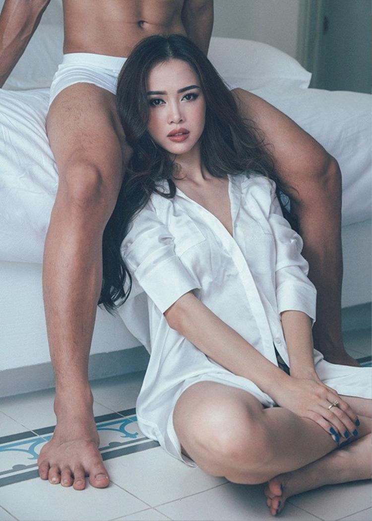 Vũ Ngọc Anh trở lại sexy, bốc lửa trong bộ ảnh mới