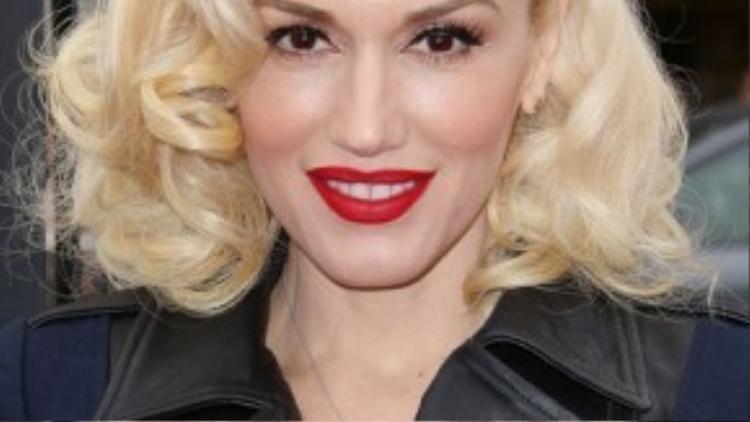 Gwen Stefani cũng thường xuyên sử dụng mái tóc giả mỗi khi xuất hiện tại các sự kiện quan trọng.