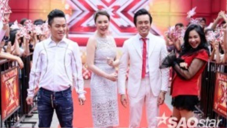 Không cần phải nói, Hồ Quỳnh Hương tuy diện váy trắng nhưng vẫn là người nổi bật nhất trong bộ tứ quyền lực X-Factor năm nay.