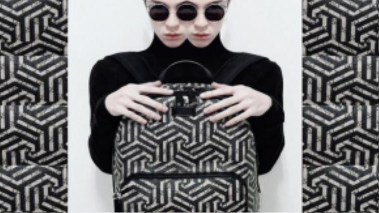 Sau lần chào sân đầu tiên của anh chàng trên Instagram của nhà mốt nổi tiếng, Kelbin dường như được xem như một biểu tượng mới của nền thời trang Việt khi nhìn ra thị trường thế giới.