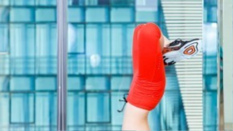 Nhờ tập luyện Yoga, Sĩ Thanh bật mí cô nàng còn cao thêm dù đã bước vào tuổi trưởng thành.