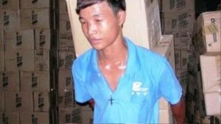 Thời điểm Hào Anh đi làm bốc vát và bị tình nghi tham gia một vụ trộm.