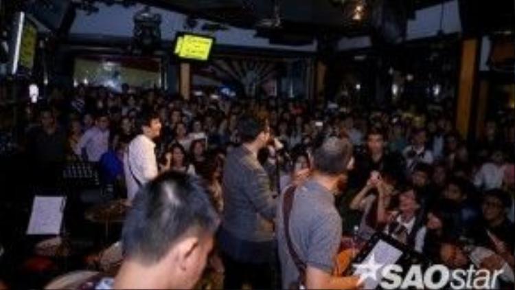 Toàn cảnh đêm nhạc của Hà Anh Tuấn.