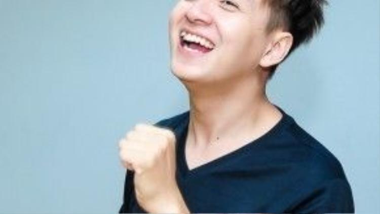 Nụ cười luôn xuất hiện trên gương mặt của anh chàng.