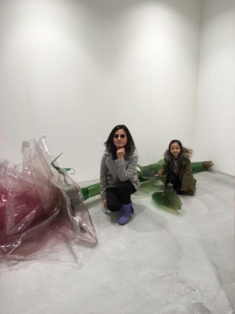 Triệu Vy được chồng tặng 999 hoa hồng nhân sinh nhật 40