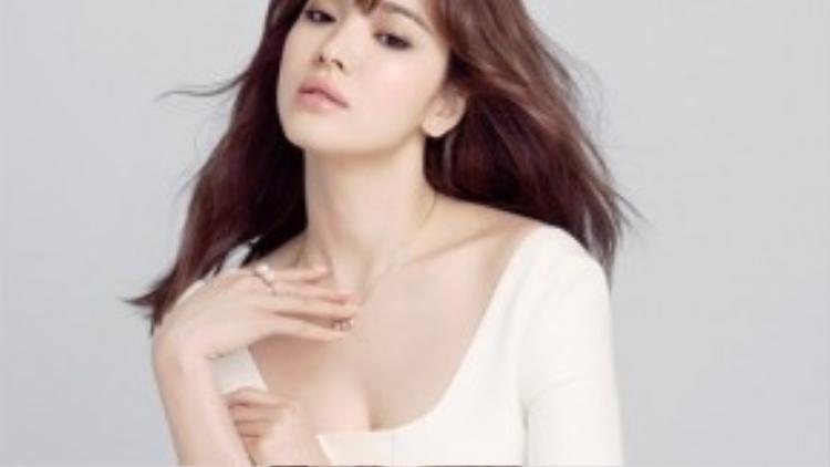 Song Hye Kyo có vẻ đẹp thuần khiết, chinh phục hầu hết trái tim khán giả.