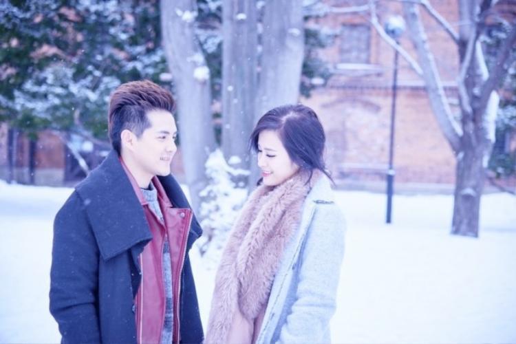 Đông Nhi nhấc bổng Ông Cao Thắng trong MV mừng Valentine Trắng