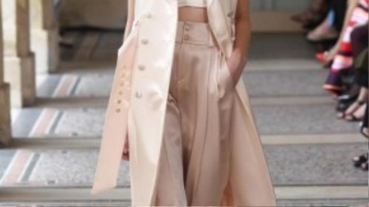 Một trong những thiết kế Haute Couture Thu-Đông 2014-2015 của Bouchra Jarrar