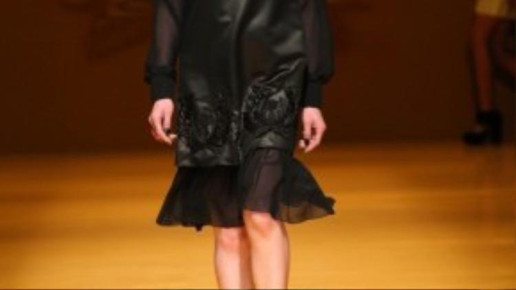 BST Haute Couture No.9 bao gồm 40 mẫu và 20 model. Trong đó có 19 model là người Nhật và 1 model Việt Nam là Kim Nhung.