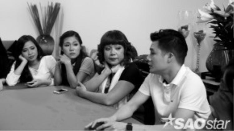 HLV Quang Dũng cũng đã thăm dò ý kiến các thành viên trong team về việc chọn bài hát