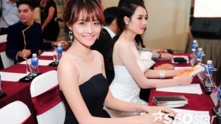 Chân dài thuộc công ty người mẫu Venus Trương Mỹ Nhân. Cô từng dự thi Hoa hậu Việt Nam 2014.