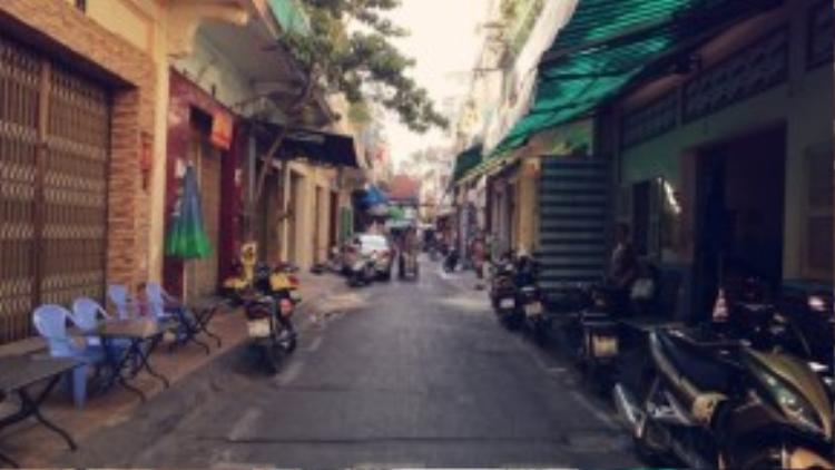 Vị trí thứ ba thuộc về đường Phú Định (quận 5) dài 65m, được giới hạn bởi hai con đường Nguyễn Án và Lương Nhữ Học.