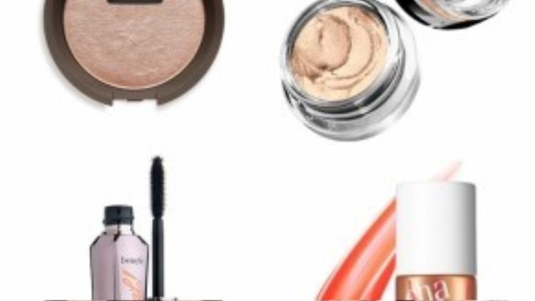 """Các sản phẩm gợi ý: Phấn tạo khối sáng Becca Shimmering Skin Perfector Pressed Topaz cho khuôn mặt rạng rỡ tuyệt đối, giá 700k. Màu mắt Maybelline Eye Studio Tatto chứa hạt nhũ li ti, bám lâu tới 24h, giá siêu """"hạt dẻ"""" 115k. Mascara nổi tiếng làm cong và dày mi, không cần dùng bấm mi Benefit They're Real với giá tầm 554k. Son môi Cha Cha Tint giá 800k sẽ khiến bạn hài lòng với màu cam đào siêu tươi tắn."""