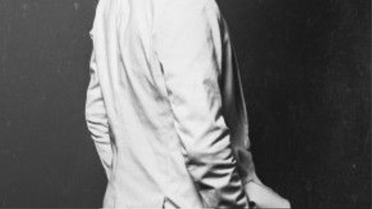 Dương Khắc Linh thuộc topnhững nhạc sĩ trẻ tài năng nhất của làng giải trí Việt ở thời điểm hiện tại. Với hơn 10 năm kinh nghiệm hoạt động nghệ thuật trong và ngoài nước, anh từng cộng tác thành công với nhiều nghệ sĩ tên tuổinhư: Hồng Nhung, Hồ Ngọc Hà, Hà Anh Tuấn, Thanh Bùi… Vô số những bản hit của anh được công chúng biết đến và yêu mến trong nhiều năm.
