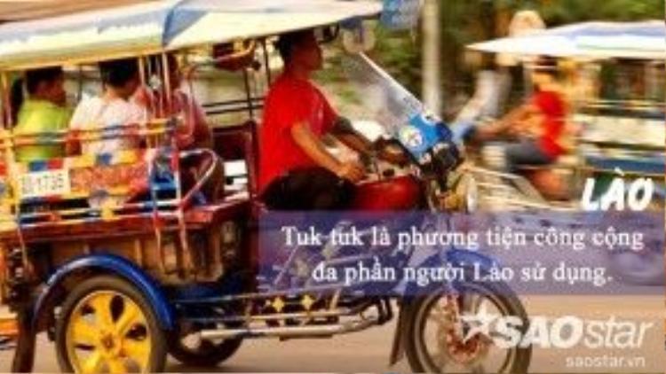 Giá đi tuk tuk tại Lào không quá mắc, nhưng bạn nên trả giá thêm để tránh bị nói thách. Có khá nhiều tài xế người Lào gốc Việt hoặc biết tiếng Việt, thế nên đi tuk tuk ở Lào đừng lo bị lạc đường.