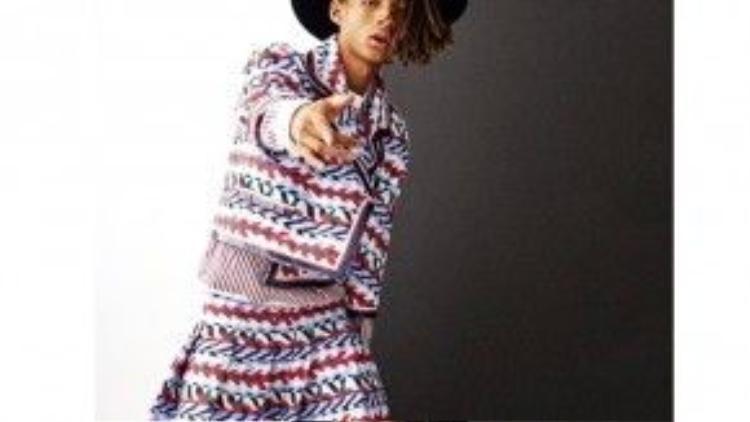 Jaden Smith mặc váy trên Vogue Korea và kí hợp đồng làm mẫu cho dòng trang phục nữ của Louis Vuitton.