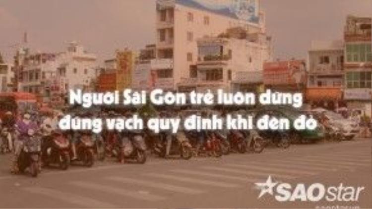 Không cần đến đội ngũ thanh niên giao thông nhắc nhở, người Sài Gòn đã biết tự giác.