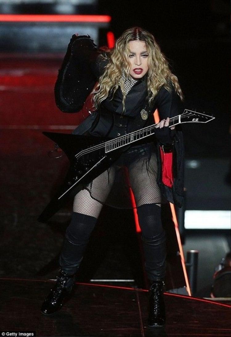 Madonna khiến khán giả đùng đùng bỏ về ngay trong concert