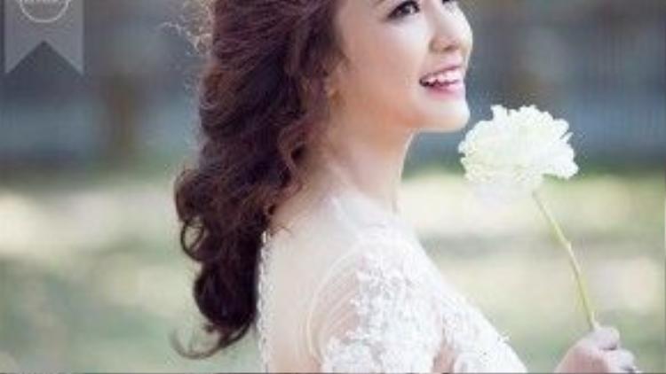 Bà xã của Nam Cường sở hữu gương mặt xinh đẹp như hot girl.