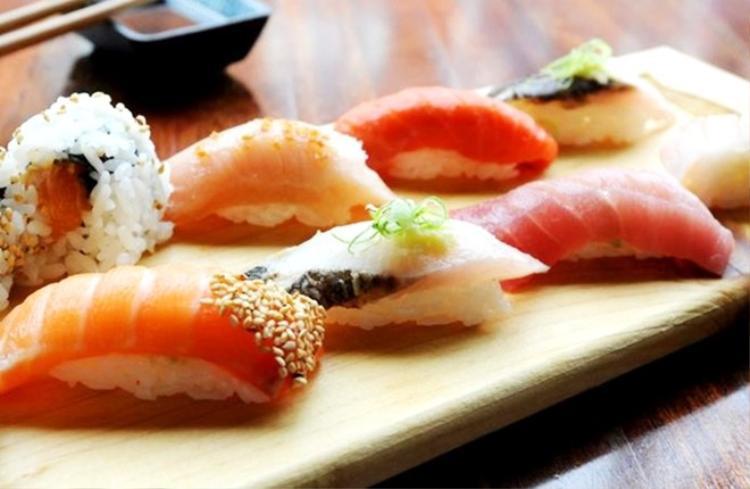 Té ngửa trước lý do tại sao các đầu bếp sushi thường không phải là nữ