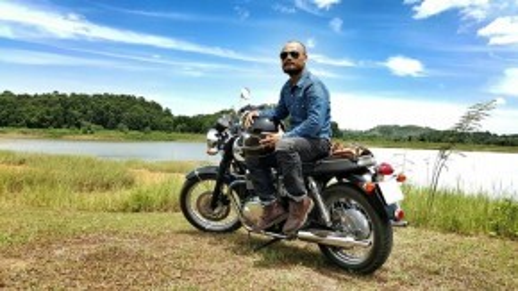 Anh và những người bạn chơi xe mô tô phân khối lớn đã tham gia nhiều hoạt động thiện nguyện.