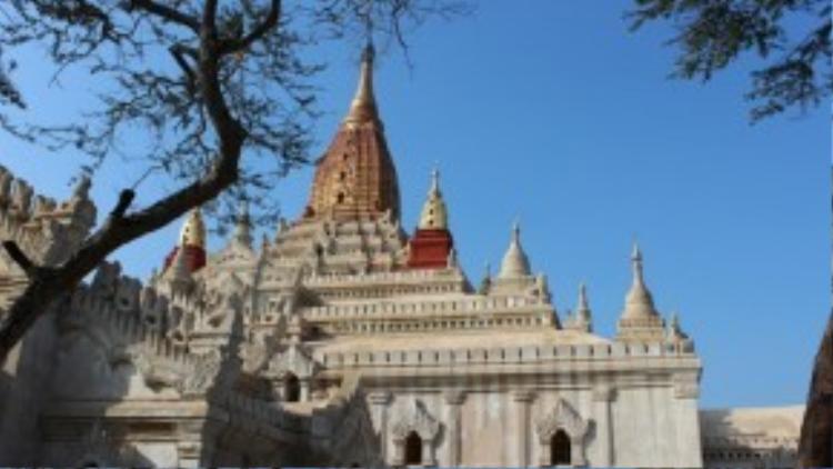 Một góc đền Ananda tại cố đô Bagan của Myanmar.