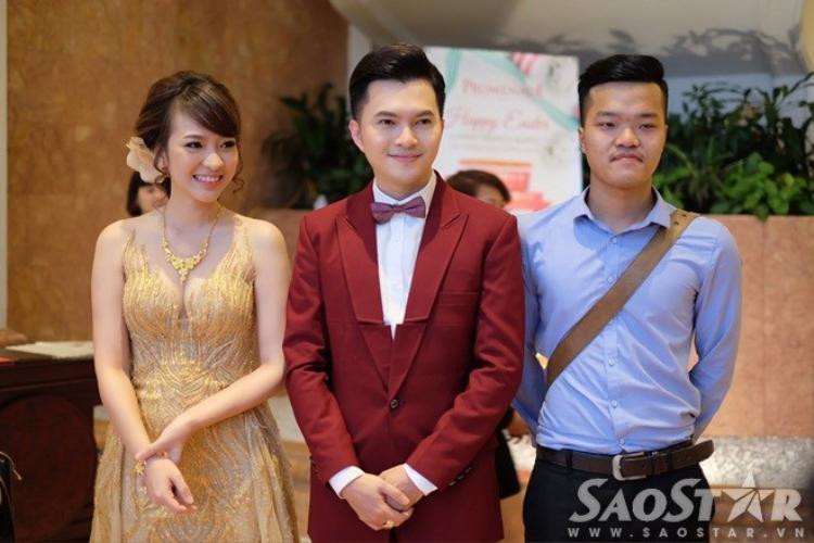 Nam Cường trao nhẫn cho bà xã hot girl bằng Flycam trong tiệc cưới tại Hà Nội