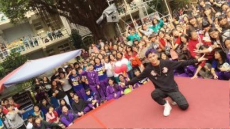 Trận Ngạn Doãn đa tài đa nghệ là thần tượng âm nhạc của hàng triệu bạn trẻ Đài Loan.
